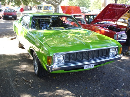 Ford Muscle Cars >> Australian Muscle Machines - VALIANT PAGE - Ford Valiant ...