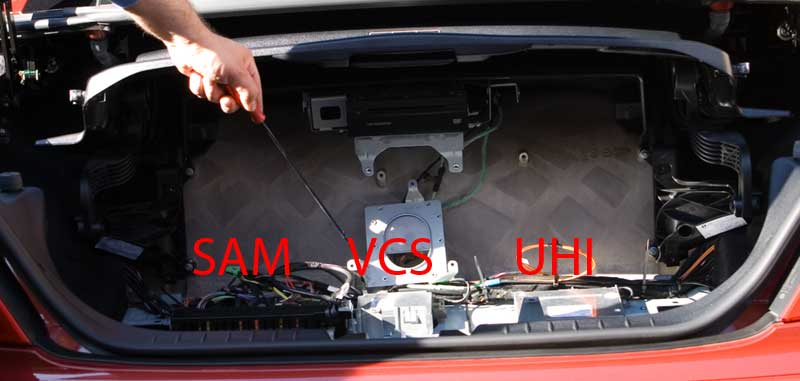 R171VCS 6 comand install question mercedes benz forum 2001 mercedes slk 230 fuse box location at readyjetset.co